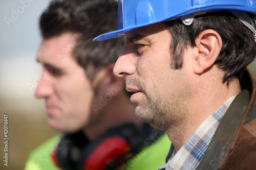 Foreman chatting to colleague