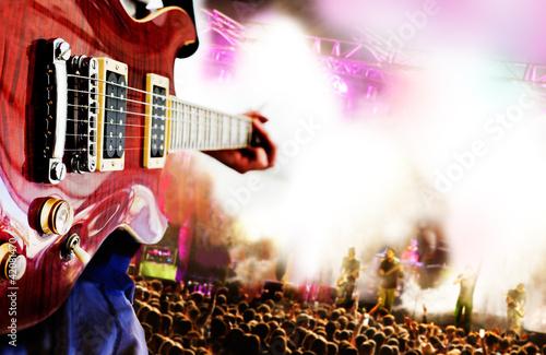 fondo de musica con concierto y guitarra - 42081470