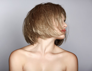 woman with blond bob