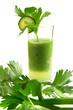 Grüner Smoothie mit Sellerie und Zucchini
