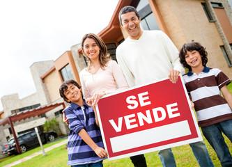 Latin family selling their house