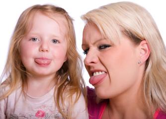 Mama und Tochter ganz frech