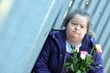 trisomique femme et fleur