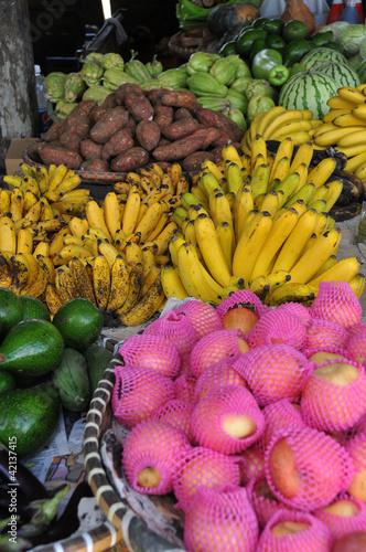 canvas print picture Gemüsestand auf dem Markt von Bilar