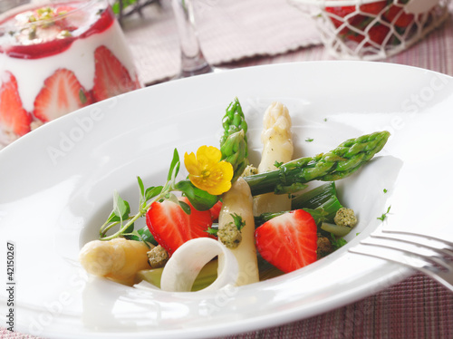 Healthy strawberry and asparagus salad