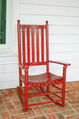 Sedia a dondolo rossa