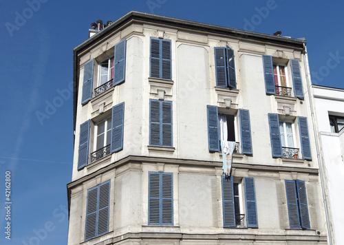 banlieue de paris immeuble ann e 30 photo libre de droits sur la banque d 39 images. Black Bedroom Furniture Sets. Home Design Ideas