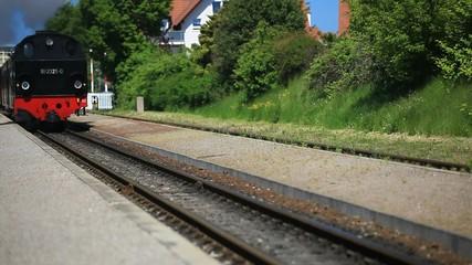 Fahrt der historischen Dampfeisenbahn im Ostseebad Kühlungsborn