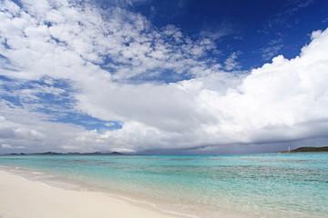 伊平屋島の夏の風景