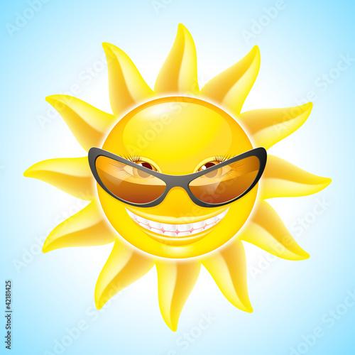 阳光卡通笑脸图片