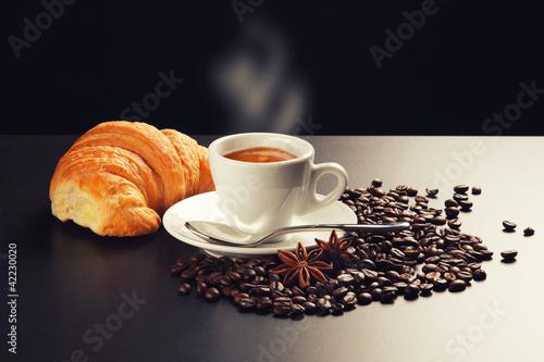 Fotobehang Cafe caffè e brioches