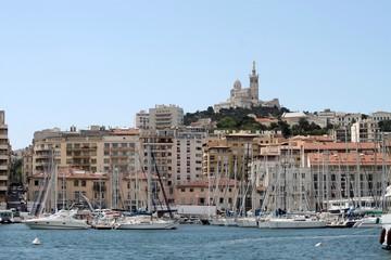 Vieux-port et Notre Dame de la Garde à Marseille