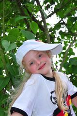 Freundliches hübsches fünfjähriges Mädchen