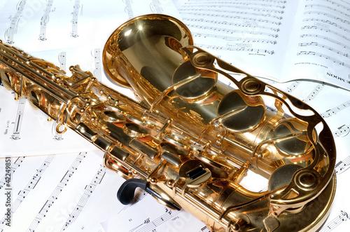 Saxophon auf Noten 2