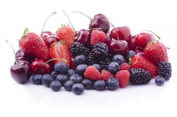 frutti di bosco con ciliege