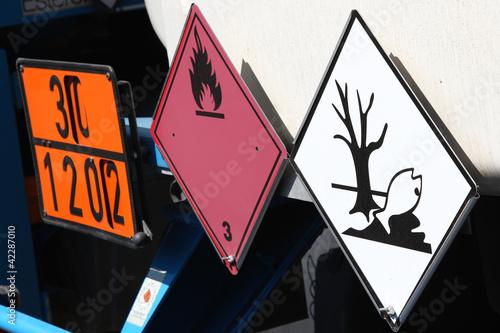 Leinwanddruck Bild Gefahrguttransport: DIESELKRAFTSTOFF oder GASÖL oder HEIZÖL, LEICHT