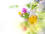Natürliche Essenzen aus Wildblüten - 42289082