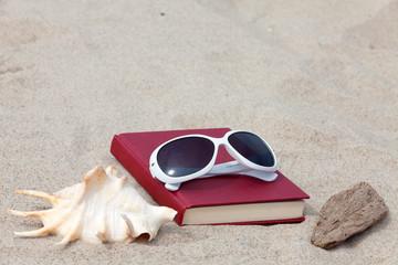 Ein Buch zur Entspannung am Strand