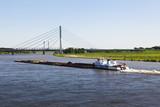 Schubverband auf dem Rhein bei Wesel