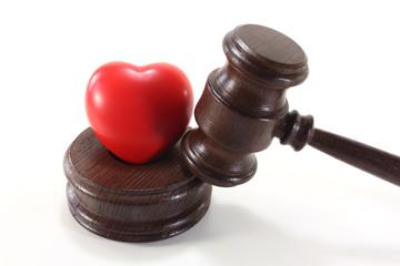 Medizinrecht mit Herz und Richterhammer