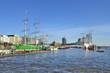 Rickmer Rickmers und Elbphilharmonie im Hamburger Hafen