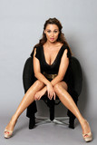 elegant auf dem Sessel