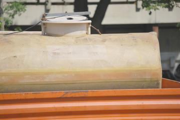 Wassertank auf einem Anhänger