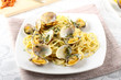 Spaghetti with fresh clams, garlic and parsley