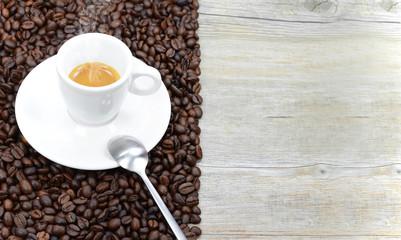 tazzina di caffè con sfondo per testi