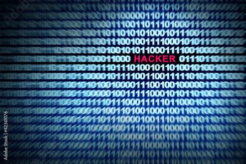 Hacker im Binärcode