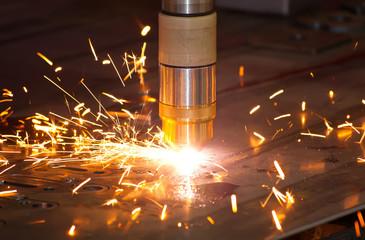 Plasma metal cutting