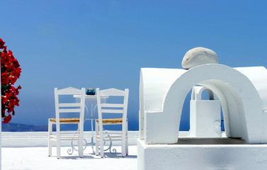 Santorini cosy terrace