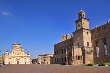 Carpi, palazzo Pio e duomo
