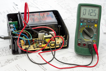 Testing old battery voltage with digital multimeter