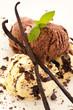 Vanille- und schokoladeneis