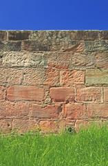 Himmel Mauer Gras