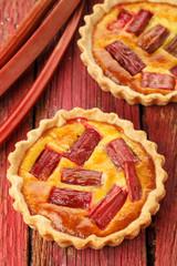 Rhubarb & saffron cream tart