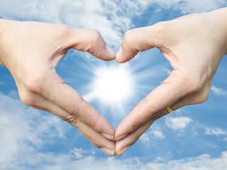 Hand make heart sign