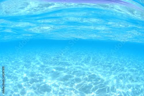 Fotobehang Koraalriffen 白い砂底の浅瀬