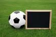 Fussball mit Tafel zum Beschreiben