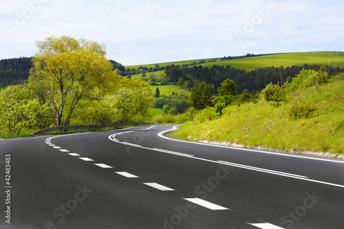 Foto op Canvas Heuvel Winding road