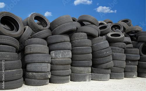 stockage de pneus usagés