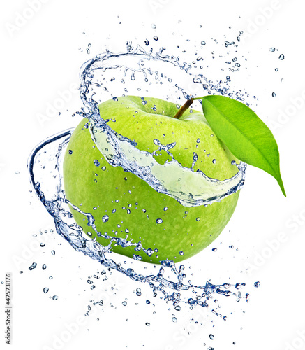 Staande foto Opspattend water Green apple with water splash, isolated on white background