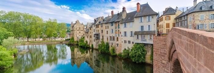 Sur le Pont Vieux,Espalion, Aveyron.