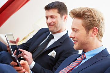 Tablet Computer und Smartphone zum Arbeiten