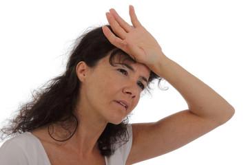 femme ayant la migraine