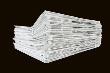 Tageszeitungen isoliert, schwarz