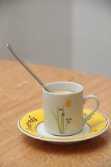 TAZA DE CAFE CON FLORES