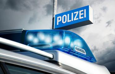 Polizeirevier am Abend