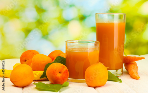 glasses of carrot and  apricot juice